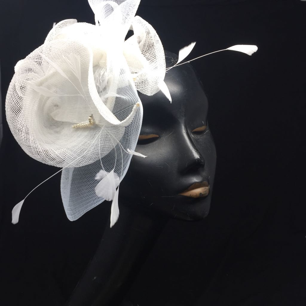 white mother of the bride fascinator